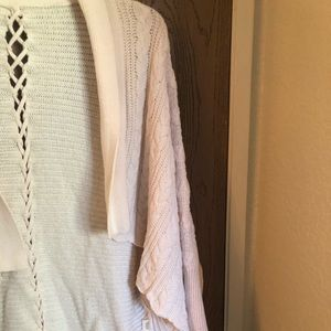 vintageous Tops - White cardigan